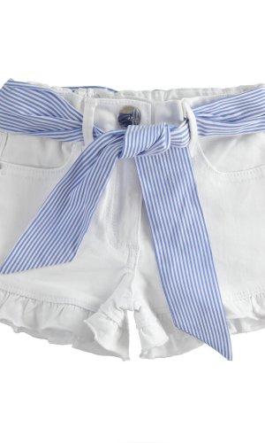 Short tejano con cinturón